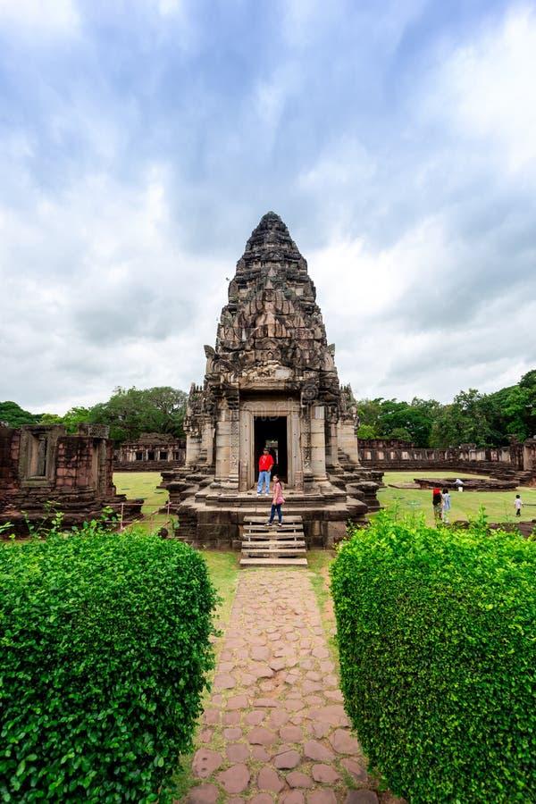 Tower principal em construções históricas do parque de Phimai, as velhas e as bonitas, Tailândia imagem de stock