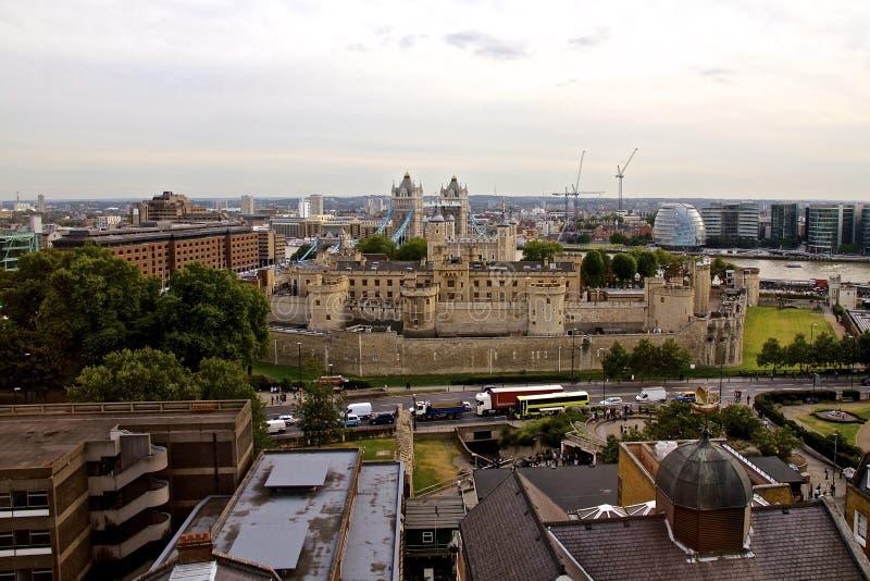 Tower von London und Turm-Brücke lizenzfreie stockfotos
