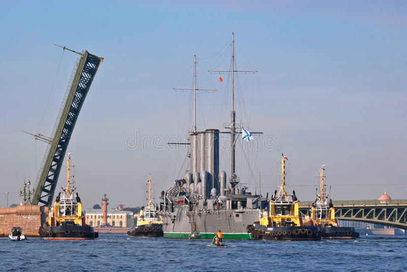 Towing cruiser Aurora. royalty free stock photography