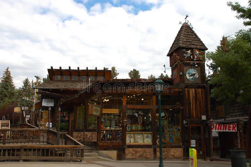 Town of Estes Park. The Town of Estes Park is a Statutory Town located in Larimer County, Colorado (USA) on the Big Thompson River. The population was 5,413 at stock images