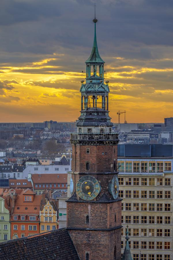 Free Town Hall Tower Close Up. Beautiful Sunset View At Winter Evening In Wroclaw Royalty Free Stock Images - 116977669