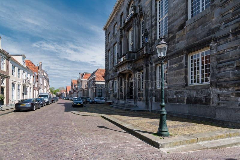 Townhall velho no centro de Enkhuizen imagem de stock royalty free