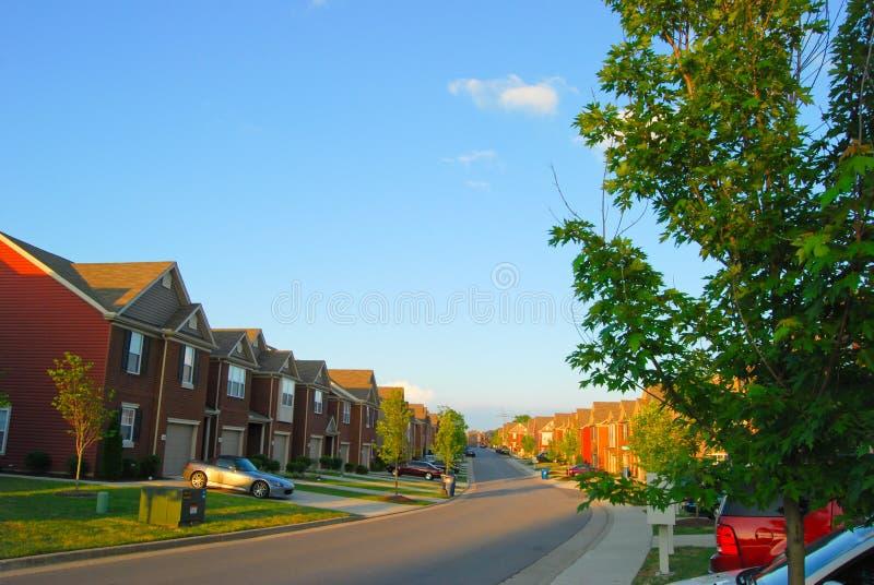 Townhomes en áreas residenciales imagen de archivo libre de regalías