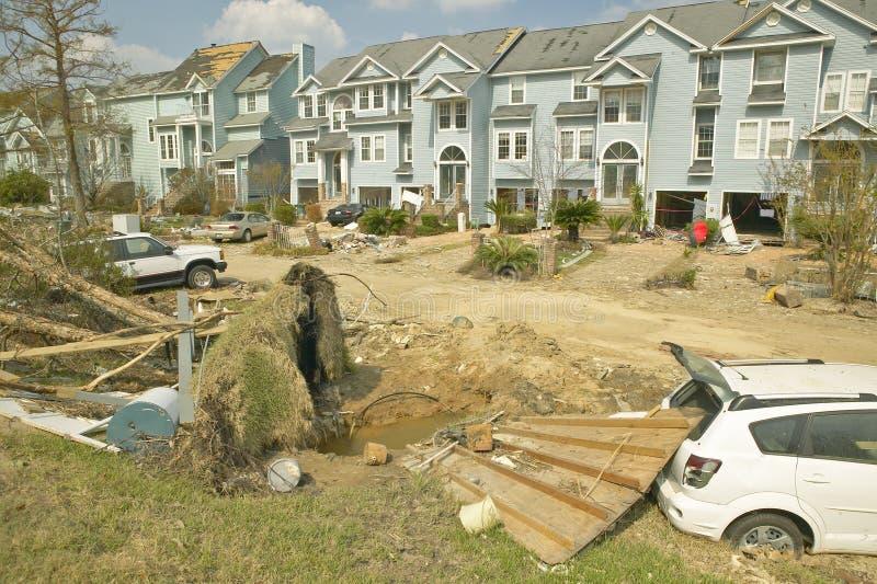 townhouses с твердыми частицами тяжело ударили Ураганом стоковые фотографии rf