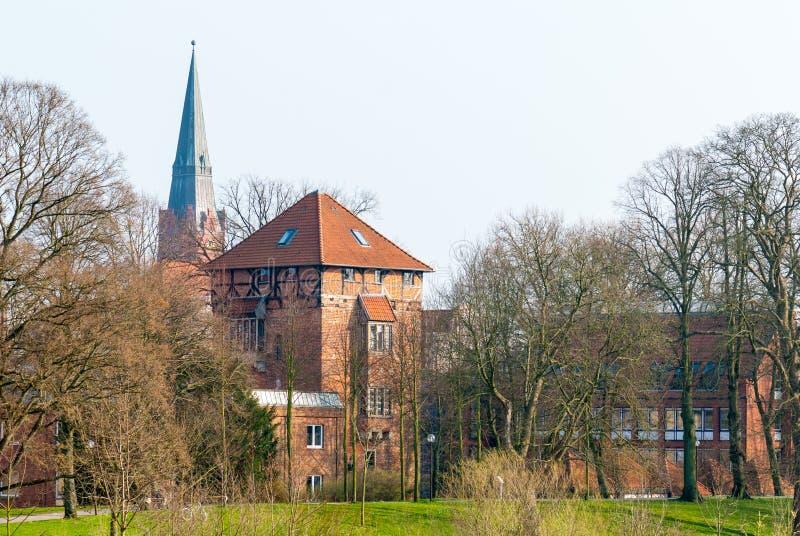 Townscape Nienburg in dem Fluss Weser stockfotos