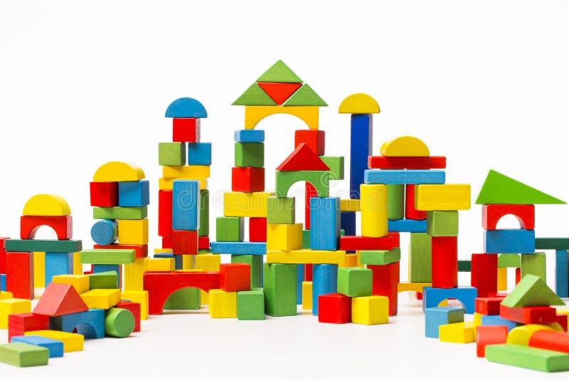 Toy Blocks City, tijolos da construção de casa do bebê, caçoa cúbico de madeira imagens de stock