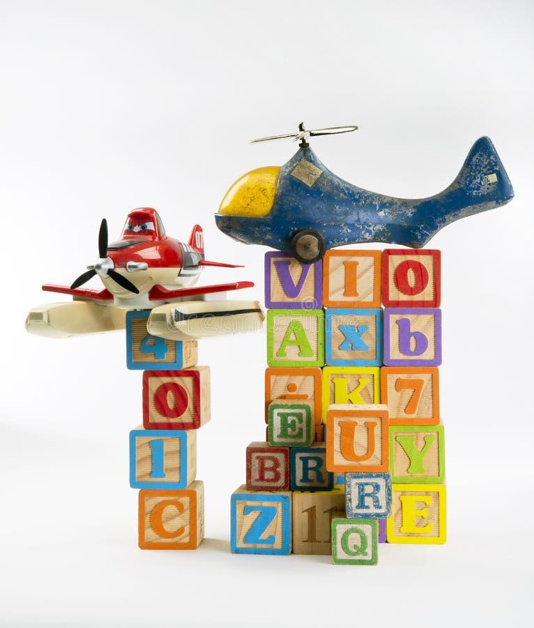 Toy Blocks y aviones ilustración del vector