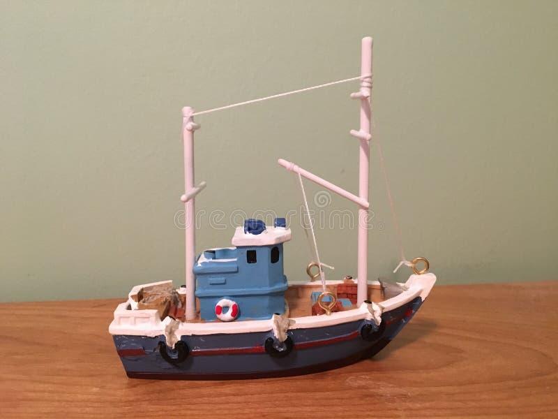 Toy Boat lizenzfreie stockfotos