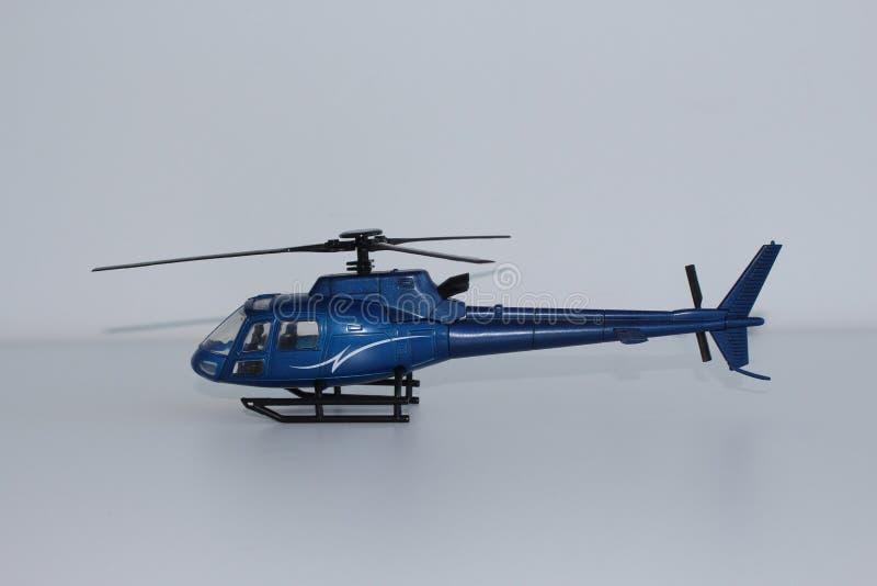 Toy Helicopter Side View azul fotografía de archivo libre de regalías
