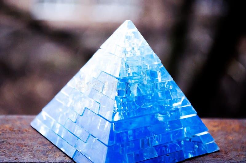 Toy Pyramid 3-D het raadsel Onderwijsspeelgoed van het piramideraadsel Mooie toebehoren stock foto