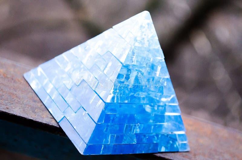 Toy Pyramid Leksaker för 3-D pussel för pyramidpussel bildande Härlig tillbehör royaltyfri fotografi