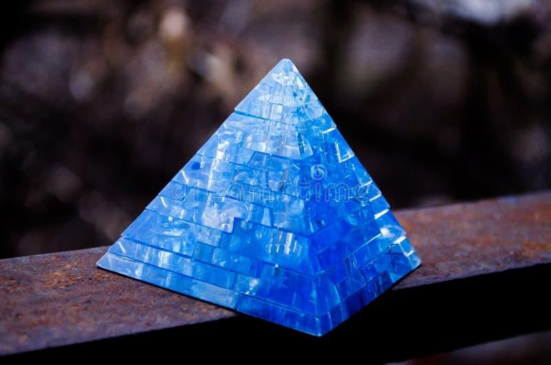 Toy Pyramid Leksaker för 3-D pussel för pyramidpussel bildande Härlig tillbehör royaltyfri foto