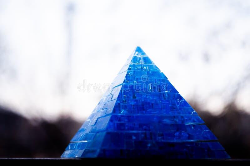 Toy Pyramid Leksaker för 3-D pussel för pyramidpussel bildande Härlig tillbehör royaltyfria bilder
