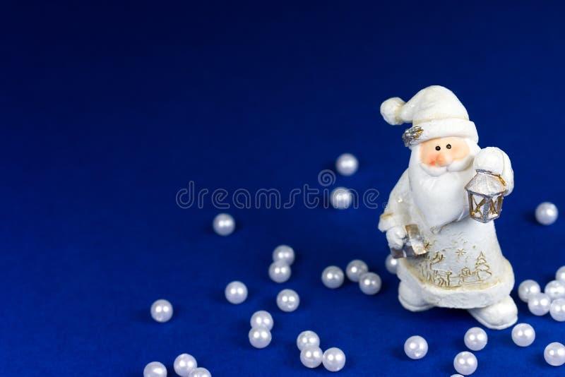 Download Toy Santa fotografering för bildbyråer. Bild av män, kläder - 27288073