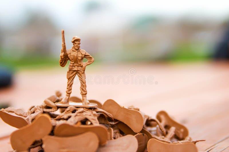 Toy Soldier victorieux photo libre de droits