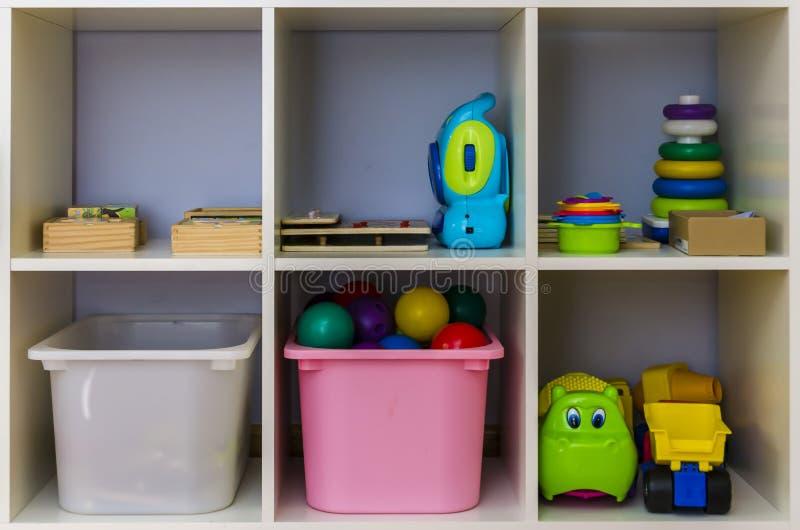 Download Toy Storage Shelf stock foto. Afbeelding bestaande uit divers - 54091894