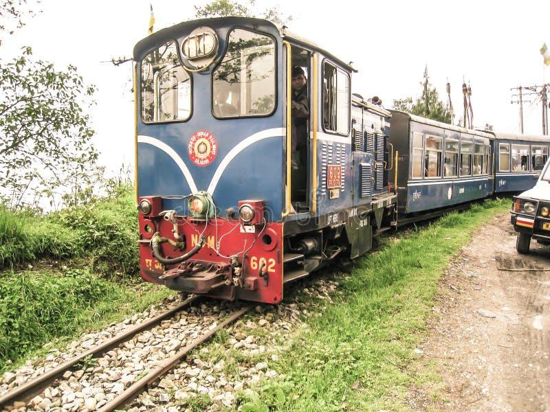 Toy Train na Índia de Darjeeling fotografia de stock royalty free