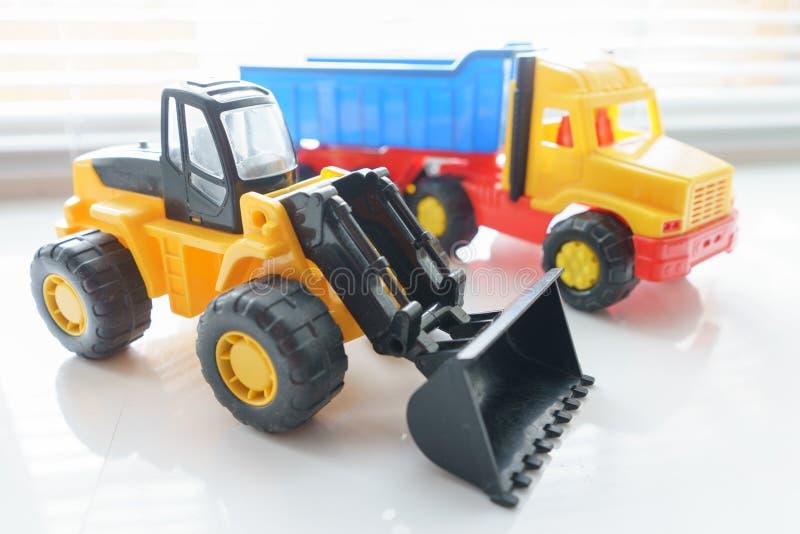 Toy Wheel Loader et Toy Dump Truck photo libre de droits