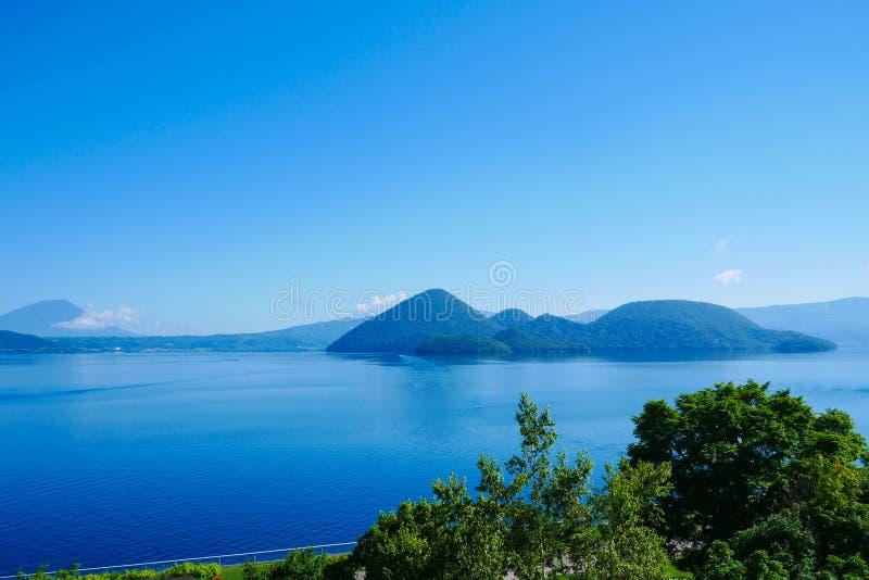 Toya See am Sairo-Aussichtsplattformstandpunkt, Hokkaido, Japan stockfotos