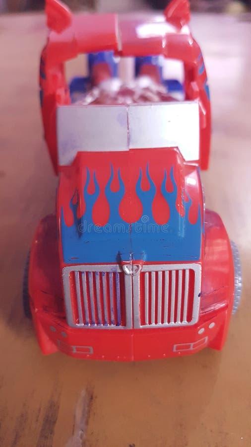Toyen åker lastbil arkivfoto