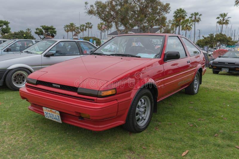 Toyota Corolla 1986 auf Anzeige stockfotografie