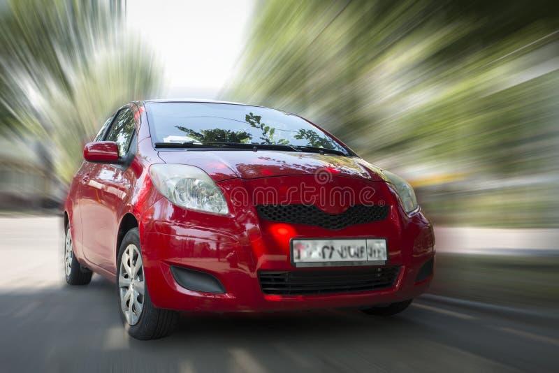 Toyota czerwieni samoch?d fotografia royalty free