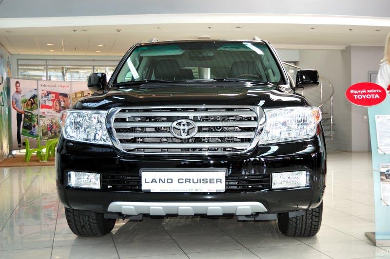 Toyota landen Kreuzer an jährlichem sichzeigen lizenzfreies stockbild
