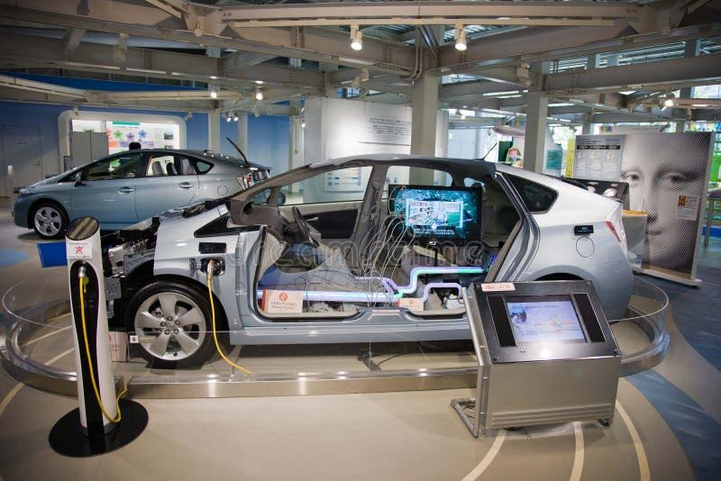 Toyota Prius 2017 toyota Electro coche japón imagenes de archivo