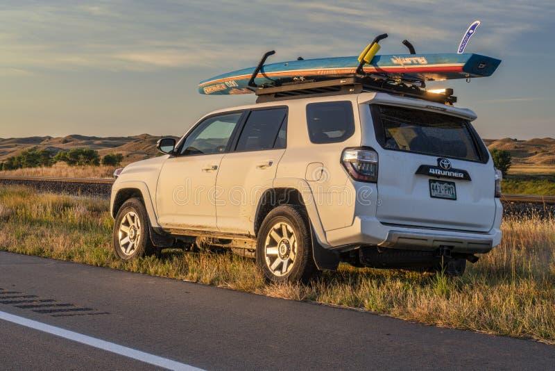 Toyota 4runner z tablicą biegów w Nebraska Sandhills fotografia royalty free
