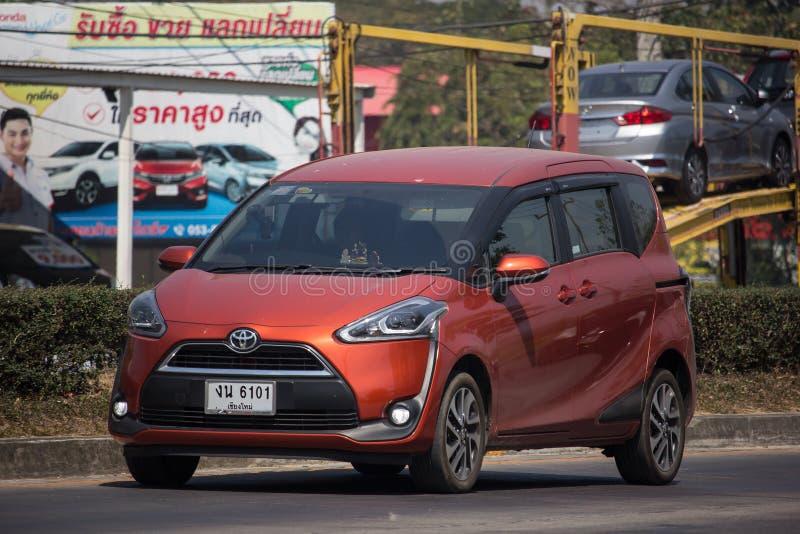 Toyota Sienta mini MPV Van fotografía de archivo
