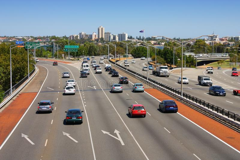 Tráfego da autoestrada de Perth fotografia de stock