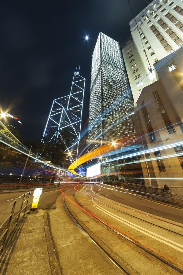 Tráfego da noite no Midtown imagens de stock royalty free