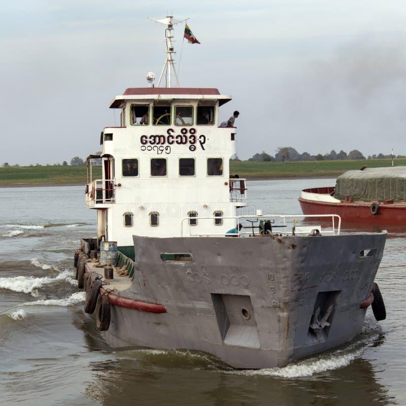 - Rio de Irrawaddy - Myanmar de envio foto de stock