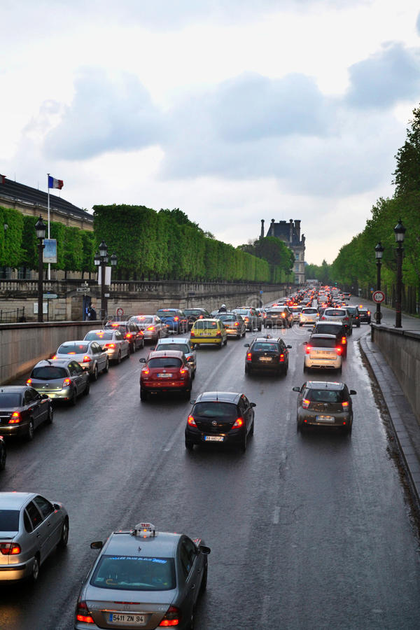 Tráfego em Paris fotografia de stock royalty free