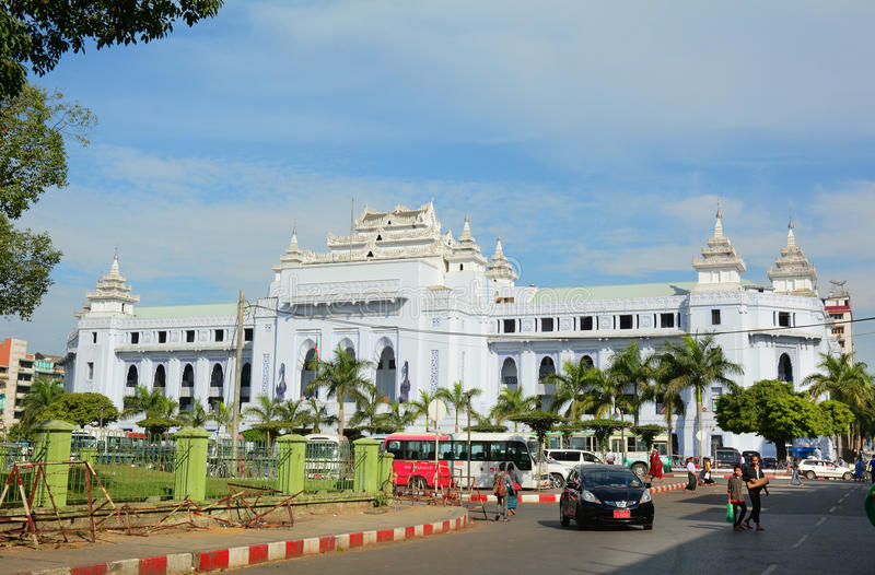 Tráfego em Yangon do centro, Myanmar fotos de stock royalty free