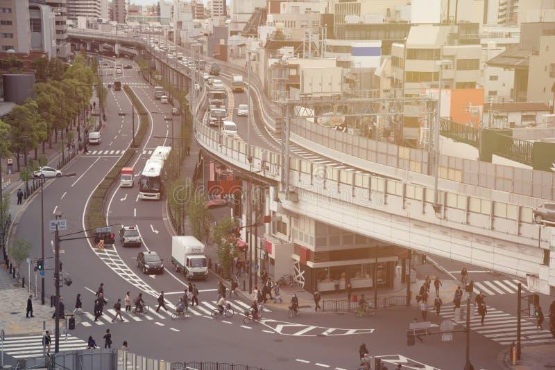 Tráfegos japoneses e estrada na manhã imagens de stock