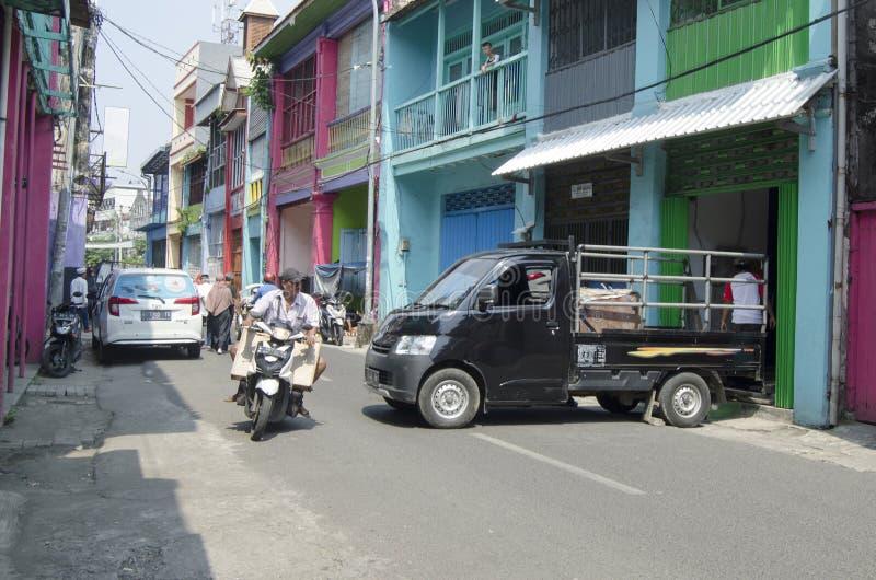Tráfico de Asia - cerca del mercado Surabaya de Pabean fotos de archivo libres de regalías