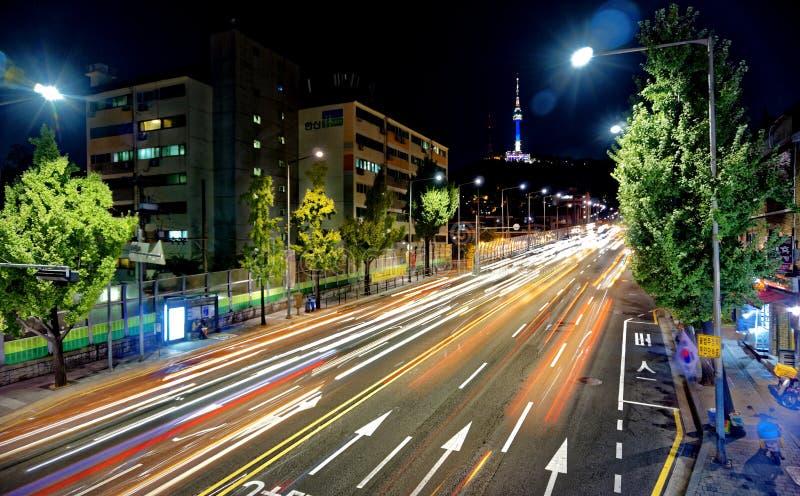 Tráfico de la torre de Seul imágenes de archivo libres de regalías