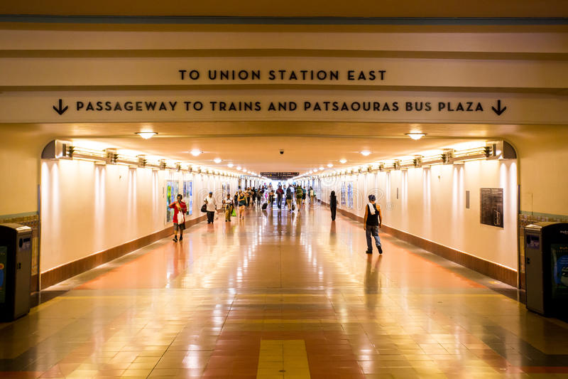 Tráfico de peatones de la estación de la unión de Los Ángeles imagen de archivo