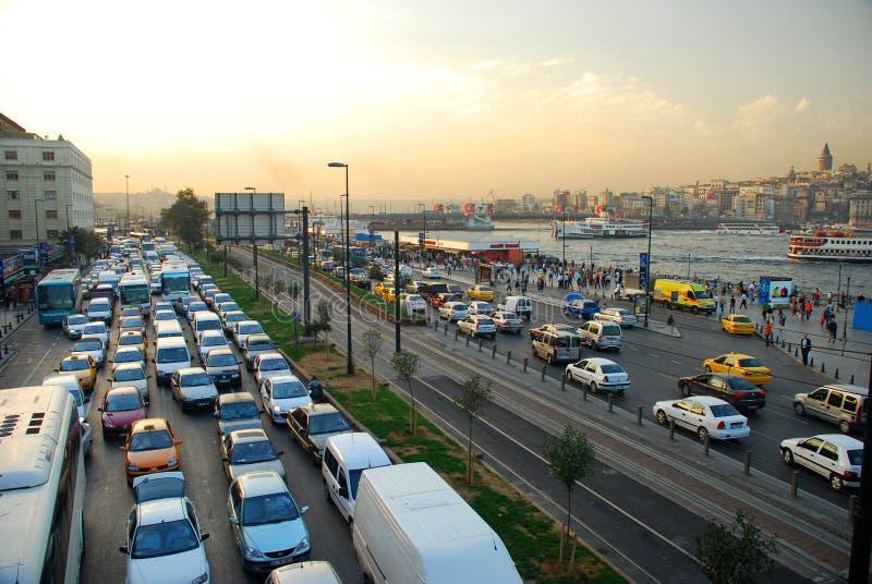 Tráfico del ‹del †del ‹del †de la ciudad Estambul, Turquía imagen de archivo libre de regalías