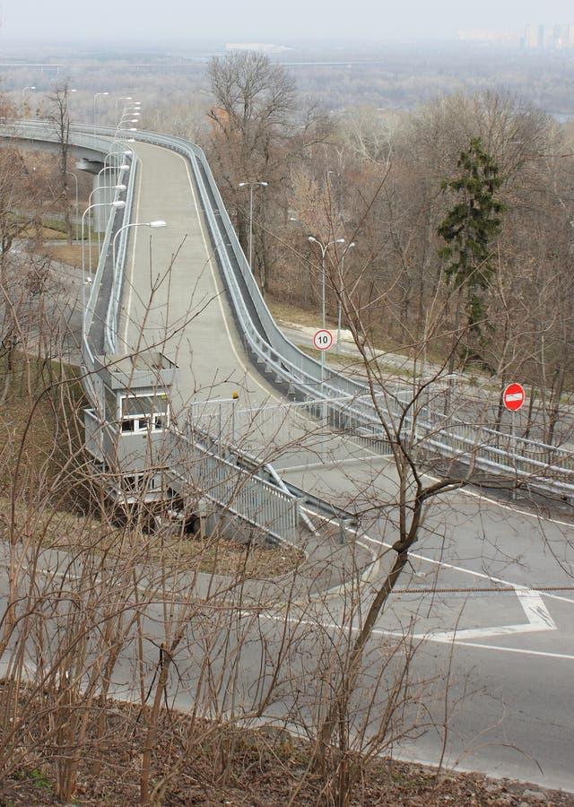 Tráfico del límite en el camino fotografía de archivo