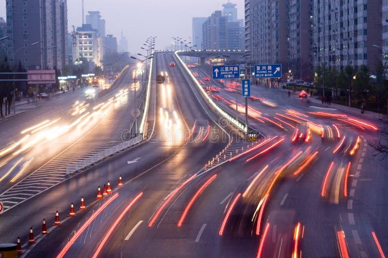 Tráfico del viaje de los automóviles imagenes de archivo