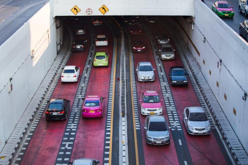 Tráfico en el camino en la cuba de la intersección de la universidad de Kaset Kasetsart fotos de archivo libres de regalías