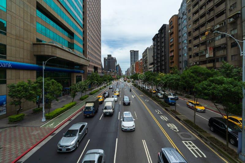 Tráfico en el camino en Taipei, Taiwán fotografía de archivo libre de regalías