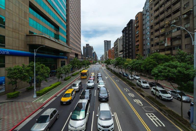 Tráfico en el camino en Taipei, Taiwán imagen de archivo libre de regalías