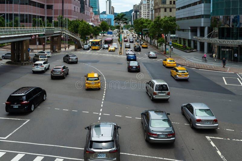 Tráfico en el camino en Taipei, Taiwán foto de archivo libre de regalías
