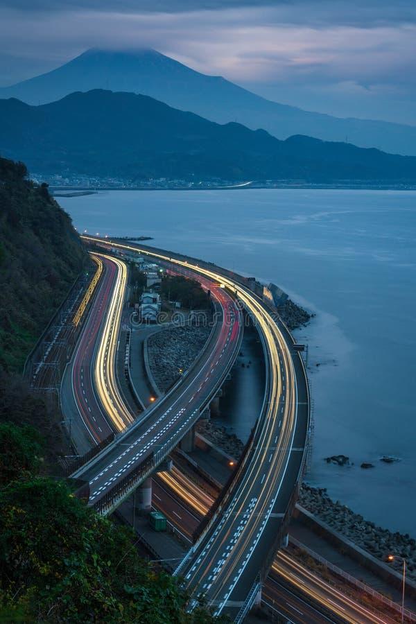 Tráfico en el paso de Sata, cerca del monte Fuji, Japón fotografía de archivo libre de regalías