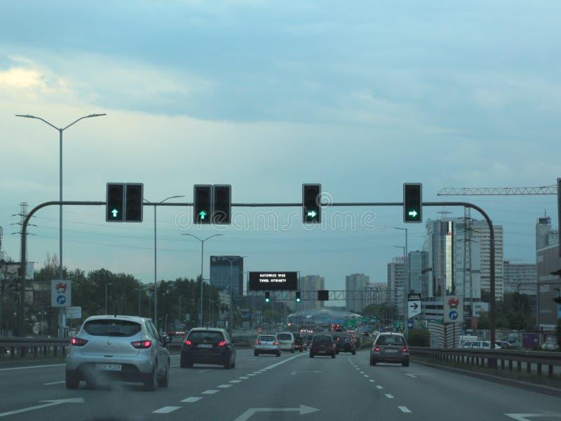 Tráfico en Katowice, Polonia imagen de archivo