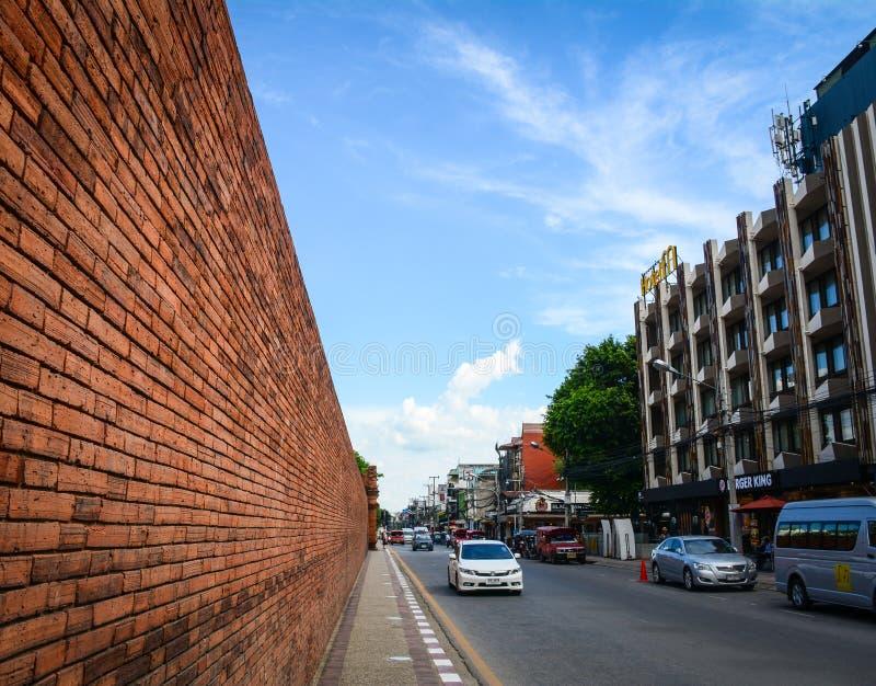 Tráfico en la calle en Chiang Mai, Tailandia imagenes de archivo