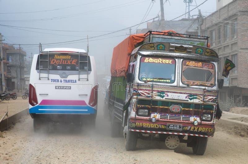 Tráfico en Nepal imagenes de archivo